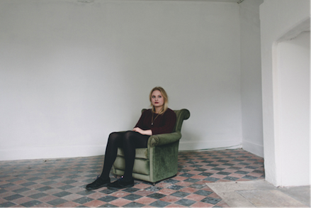 "LÅPSLEY announces debut EP on XL Recordings | Listen to first single ""Falling Short"""